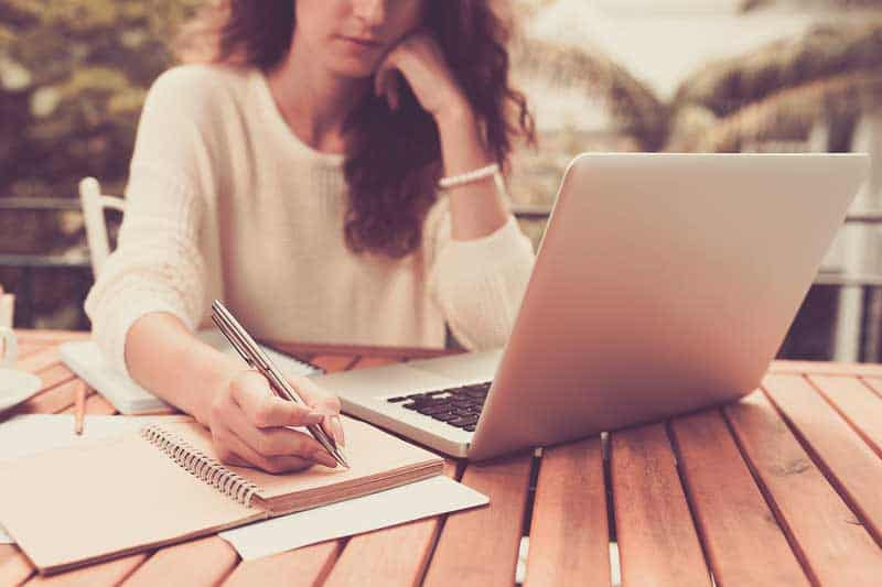 Questions to ask a freelance writer